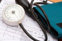 Medida da pressão sanguínea Fotos de Stock