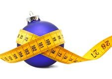 Medida de fita do Bauble do Natal imagens de stock