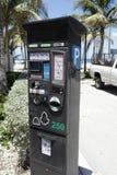 Medidor de estacionamento eletrônico Imagens de Stock