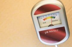 medidor de pH análogo del suelo Imágenes de archivo libres de regalías