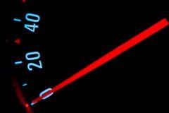 Medidor de velocidade de um carro Fotos de Stock Royalty Free
