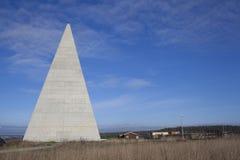 44 medidores de altura a pirâmide dourada da relação Fotos de Stock
