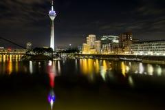 Medienhafen nachts lizenzfreies stockfoto