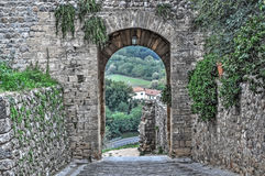 Medieval arch in Monteriggioni Stock Photography
