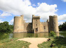 Medieval castle and lake in Sussex Royalty Free Stock Photography