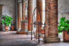 Medieval courtyard in Certaldo Royalty Free Stock Photography