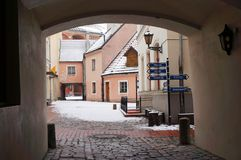 Medieval Street In Old Town Of Riga City, Latvia In Winter Royalty Free Stock Images