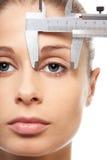 Medindo o eyesight Imagens de Stock Royalty Free