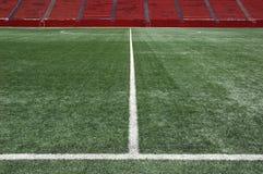 Medio campo en estadio de fútbol Imágenes de archivo libres de regalías