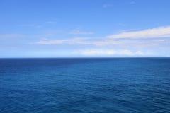 Medio mar del medio cielo foto de archivo libre de regalías