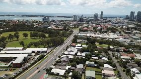 Medio Ochtendmening van Southport qld, gouden kust Southport die naar broadwater kijken stock footage