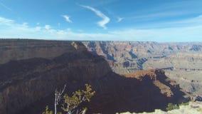 Mediodía al timelapse de la tarde del paisaje del sur hermoso del borde del parque nacional de Grand Canyon almacen de video
