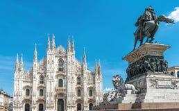 Mediolańska katedra i zabytek zwycięzca Emmanuel II fotografia stock