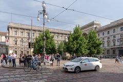 Mediolański uliczny widok, piazza della Scala obrazy royalty free