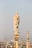MEDIOLAN, ITALY/EUROPE - LUTY 23: Szczegół linia horyzontu Zdjęcie Stock