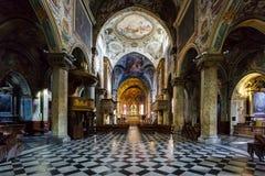 MEDIOLAN, ITALY/EUROPE - PAŹDZIERNIK 28: Wewnętrzny widok Cathedra obraz stock