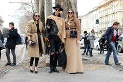 Mediolan, Milano, kobiety fasonuje tydzień jesieni zimę 2015 2016 Zdjęcie Royalty Free