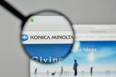 Mediolan Włochy, Listopad, - 1, 2017: Konica Minolta logo na sieciach obraz royalty free