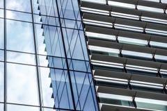 Mediolan, Włochy 04 Marzec 2018: Szczegóły budynki które uzupełniali nową i nowożytną linię horyzontu miasto Mediolan _ Fotografia Stock