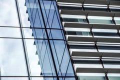 Mediolan, Włochy 04 Marzec 2018: Szczegóły budynki które uzupełniali nową i nowożytną linię horyzontu miasto Mediolan _ Zdjęcie Stock