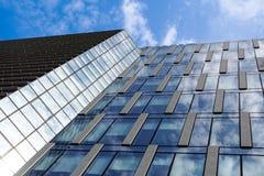 Mediolan, Włochy 04 Marzec 2018: Szczegóły budynki które uzupełniali nową i nowożytną linię horyzontu miasto Mediolan _ Obrazy Royalty Free