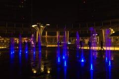 Mediolan, Włochy, Pieniężny gromadzki noc widok Iluminujący wodny f Zdjęcia Stock