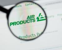 Mediolan Włochy, Sierpień, - 10, 2017: Air Products & Chemicals websit obraz stock