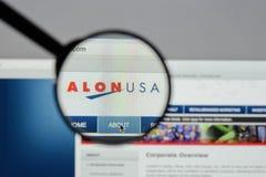 Mediolan Włochy, Sierpień, - 10, 2017: Alon usa strony internetowej Energetyczny homepage Zdjęcie Stock