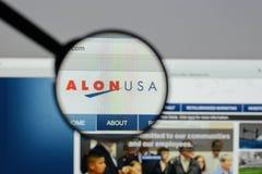 Mediolan Włochy, Sierpień, - 10, 2017: Alon usa strony internetowej Energetyczny homepage Fotografia Stock