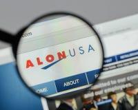 Mediolan Włochy, Sierpień, - 10, 2017: Alon usa strony internetowej Energetyczny homepage Obrazy Stock