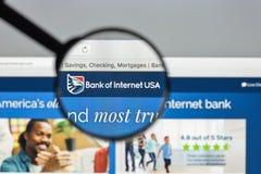 Mediolan Włochy, Sierpień, - 10, 2017: Bank interneta usa strony internetowej hom Fotografia Stock