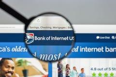 Mediolan Włochy, Sierpień, - 10, 2017: Bank interneta usa strony internetowej hom Zdjęcia Stock