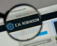 Mediolan Włochy, Sierpień, - 10, 2017: C H Robinson Na całym świecie logo dalej fotografia stock