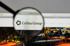 Mediolan Włochy, Sierpień, - 10, 2017: CoStar Grupowy logo na stronie internetowej zdjęcie stock