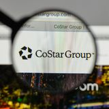 Mediolan Włochy, Sierpień, - 10, 2017: CoStar Grupowy logo na stronie internetowej fotografia stock