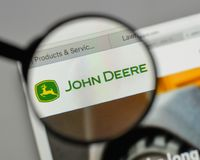 Mediolan Włochy, Sierpień, - 10, 2017: Deere logo na strony internetowej homep fotografia stock