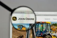 Mediolan Włochy, Sierpień, - 10, 2017: Deere logo na strony internetowej homep zdjęcie stock