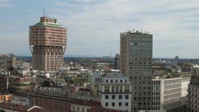 Mediolan, Włochy: Torre Velasca basztowy panoramiczny widok zdjęcie wideo