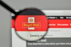 Mediolan Włochy, Listopad, - 1, 2017: Royal Mail logo na stronie internetowej Zdjęcie Stock