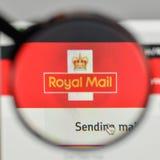 Mediolan Włochy, Listopad, - 1, 2017: Royal Mail logo na stronie internetowej Obraz Royalty Free