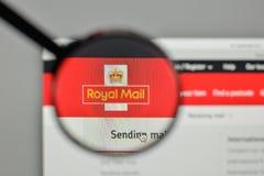 Mediolan Włochy, Listopad, - 1, 2017: Royal Mail logo na stronie internetowej Obrazy Royalty Free