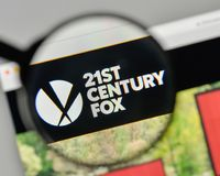 Mediolan Włochy, Listopad, - 1, 2017: XXI wiek Fox logo na my Zdjęcie Royalty Free