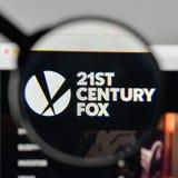 Mediolan Włochy, Listopad, - 1, 2017: XXI wiek Fox logo na my Obrazy Royalty Free
