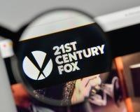 Mediolan Włochy, Listopad, - 1, 2017: XXI wiek Fox logo na my Obrazy Stock