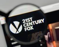 Mediolan Włochy, Listopad, - 1, 2017: XXI wiek Fox logo na my Fotografia Stock