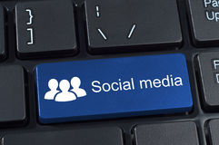 Medios botón social del ordenador. Imagenes de archivo