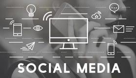 Medios concepto social de la conexión de la comunicación de los dispositivos foto de archivo libre de regalías