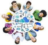 Medios concepto social social del almacenamiento de datos de conexión del establecimiento de una red Foto de archivo libre de regalías