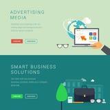 Medios de publicidad y banderas elegantes de la solución del negocio