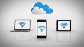 Medios dispositivos que muestran símbolo del wifi debajo de las nubes